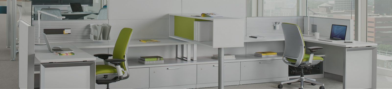 How to reduce clutter in the workplace image