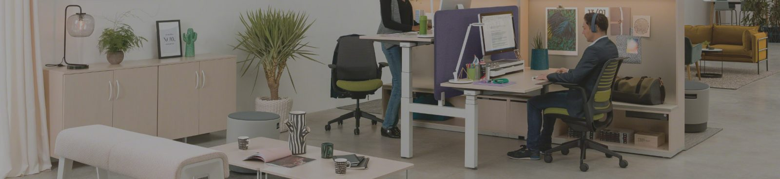 How to limit clutter in an open plan office image